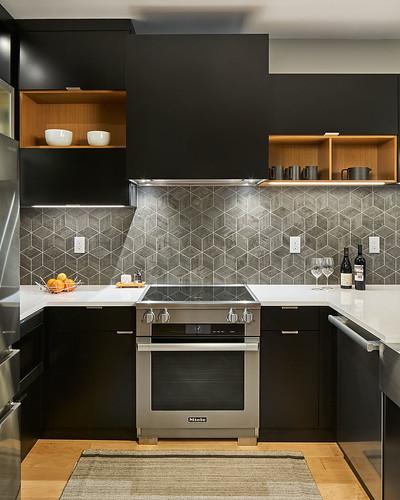 Riverstone Condo Kitchen + Bath 05s