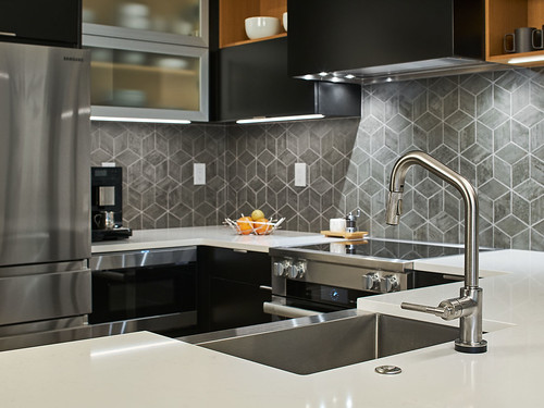 Riverstone Condo Kitchen + Bath 06s