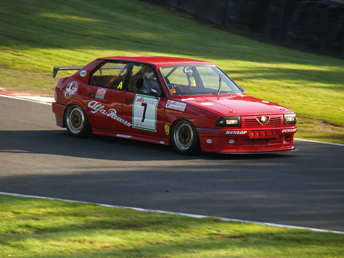 Lee Penn at Oulton in Modified 33