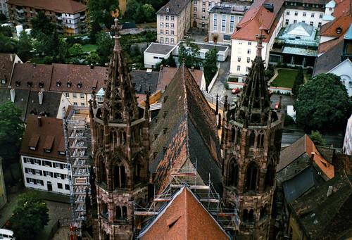 "Freiburg 1987 (13) Freiburger Münster • <a style=""font-size:0.8em;"" href=""http://www.flickr.com/photos/69570948@N04/51182649439/"" target=""_blank"">Auf Flickr ansehen</a>"