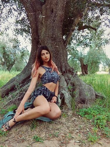 ⛥DHARA⛥ #arte #rocknroll 🎶 #rock #modella #ulivetosecolare #benecomune #ulivo 🌿 #olio #bio #kmzero #noestirpazione #xylella 🎥#elettritv💻📲 #webtv #musicaoriginale #canalemusicale #music 🙌 #sottosuolo #p