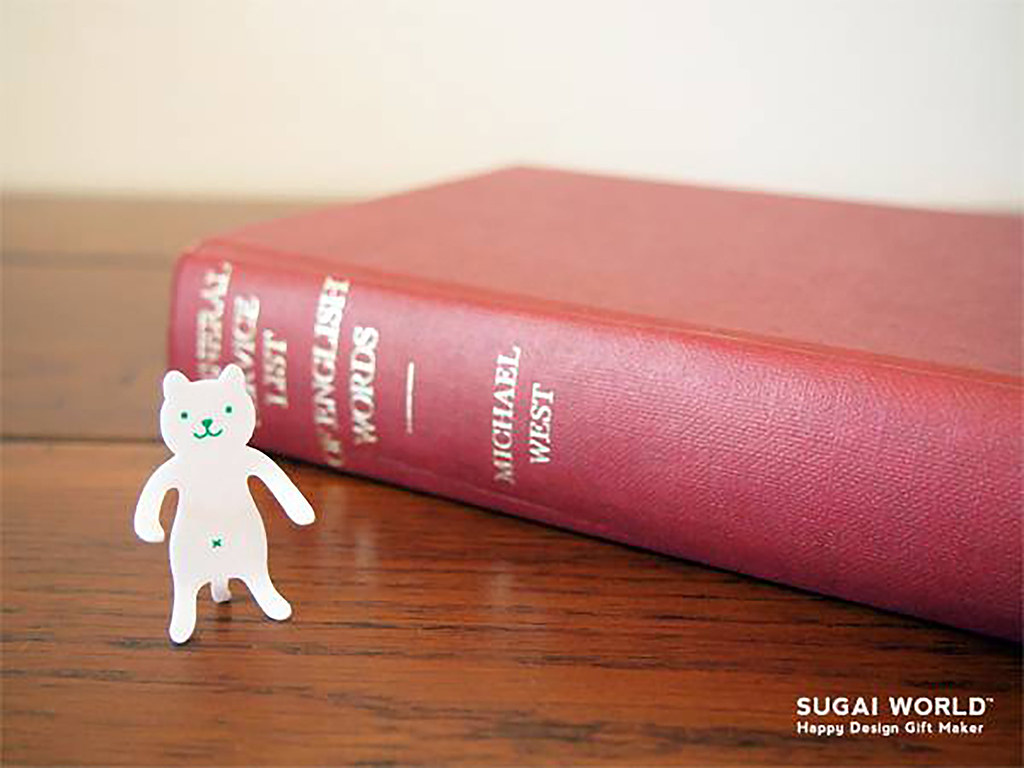 圖五:能隨意凹折成百變動作的日本創意文具品牌SUGAI WORLD動物造型夾,兔子、小熊等造型夾可當成書籤、或掛在筆筒及杯子上使用|誠品書店