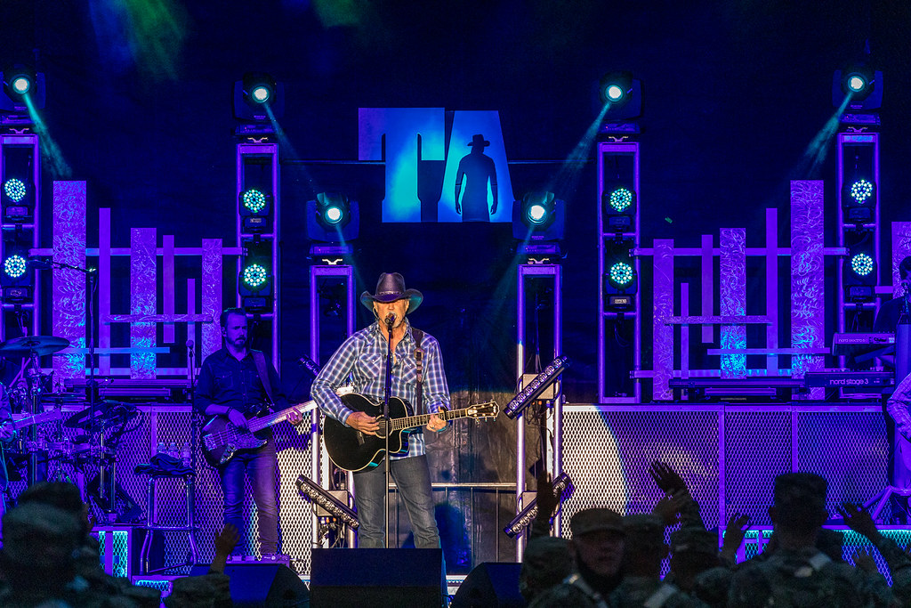 Trace Adkins images