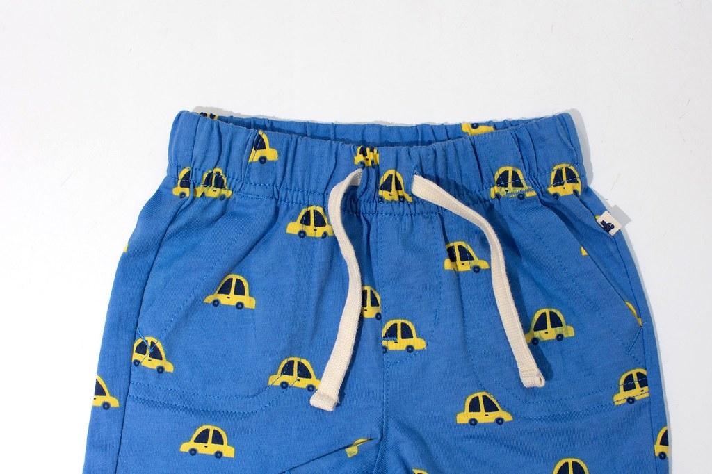 7.Gap「布萊納小熊系列」中所有褲頭的綁帶皆僅供裝飾用,而不做真正的抽繩功能,可避免危險狀況發生。