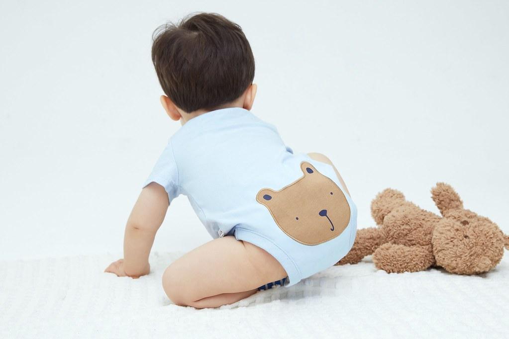 2.美式休閒服裝品牌Gap可愛又貼心的「布萊納小熊系列」嬰幼童裝同時滿足爸爸媽媽與新生兒送禮等消費需求。