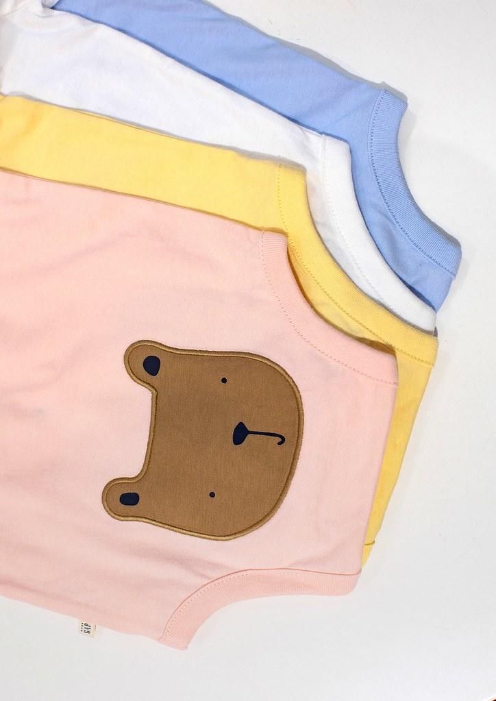 3.Gap「布萊納小熊系列」嬰幼童服裝,全系列包含T恤、包屁衣、透氣短褲等眾多選擇。
