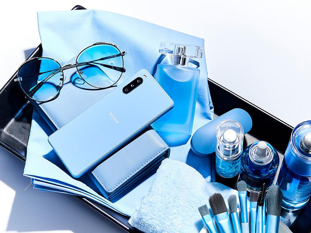 圖說、Xperia-10-III-_水漾藍色
