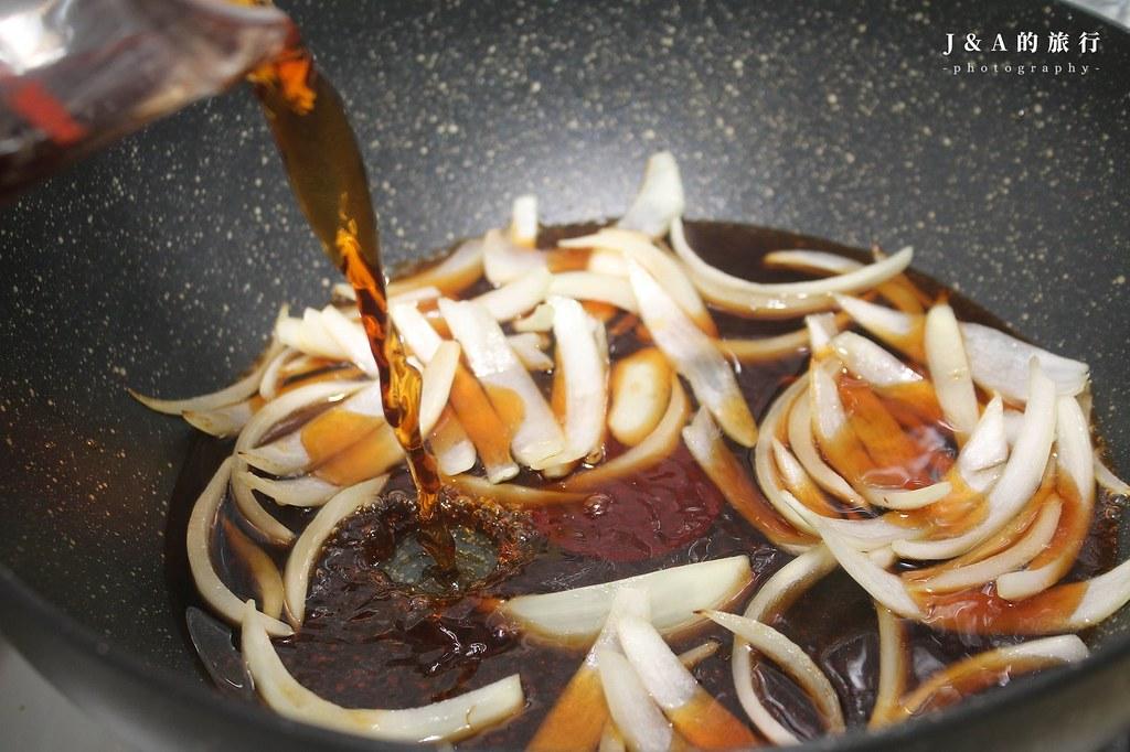 【食譜】牛丼。15分鐘完成簡單好吃的日式牛肉飯 @J&A的旅行