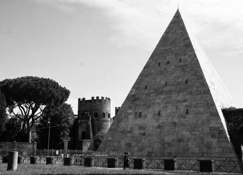 Piramide Cestia - DSC04232_ep_gs