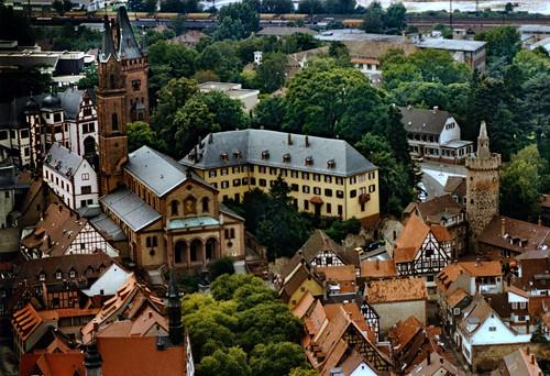 "Weinheim 1987 (02) Altstadt • <a style=""font-size:0.8em;"" href=""http://www.flickr.com/photos/69570948@N04/51207209742/"" target=""_blank"">View on Flickr</a>"