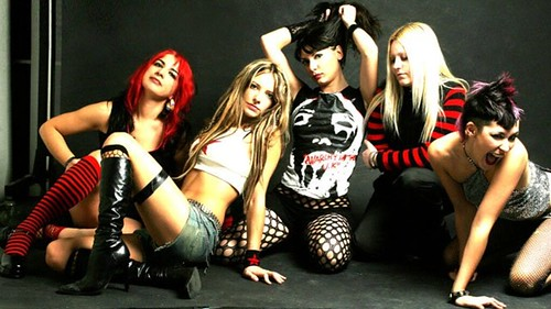 Bambole di Pezza 🎶 #punk #garagepunk 🔥 #rock #rocknroll 🎥#elettritv💻📲 #lestreghe #canalemusicale #webtvmusicaoriginale  #morgana 🎸#dani 🎸 #franka #aika (//) #rox 🎤 #musicaoriginale  #webtv