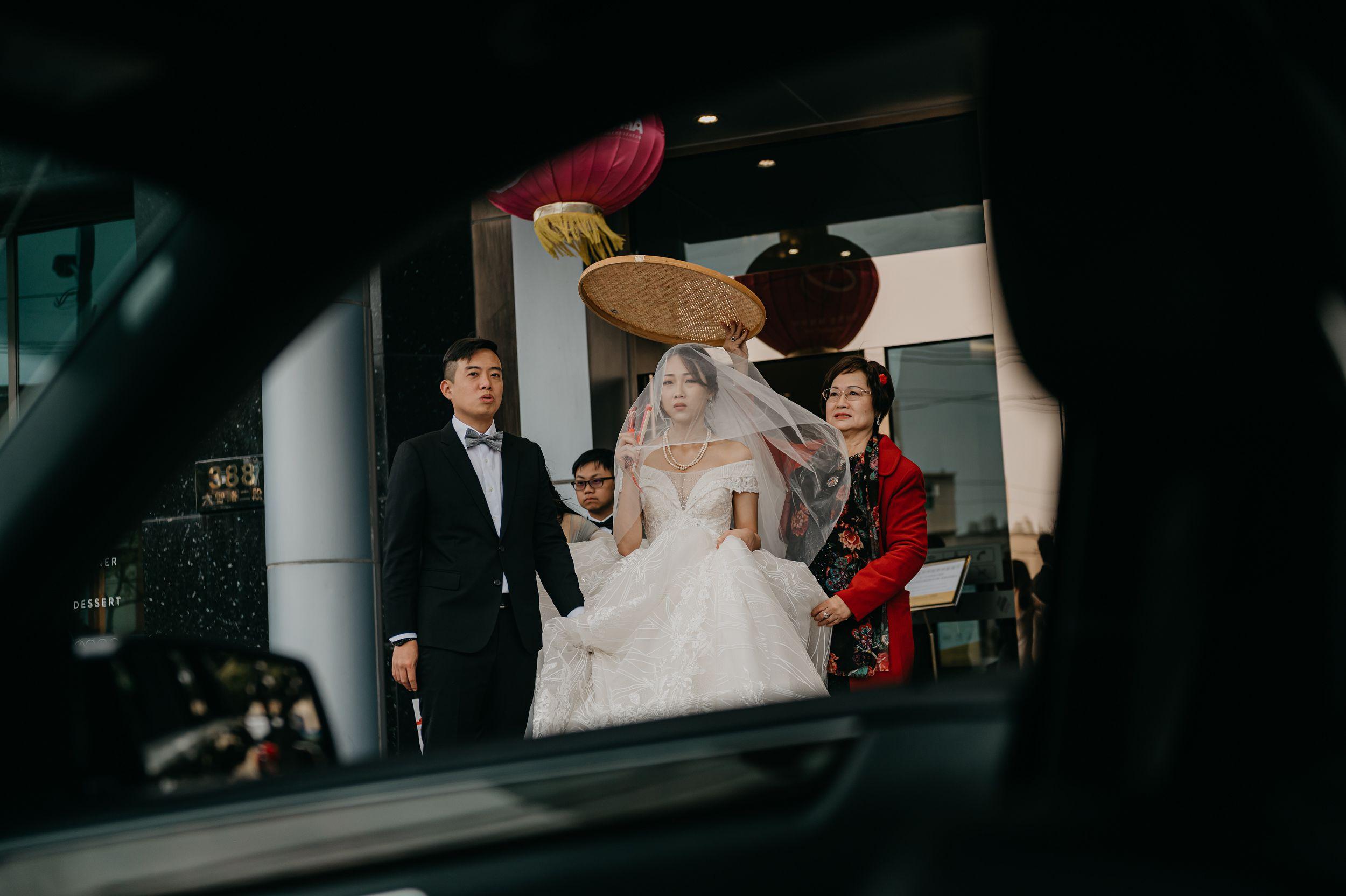 婚攝推薦,婚攝,婚禮紀錄,婚禮紀實,台中婚攝,台中港酒店,類婚紗,闖關,遊戲,拜別,風雲20,美式攝影,新娘物語推薦,ptt推薦,新秘推薦,造型師,進場小遊戲,