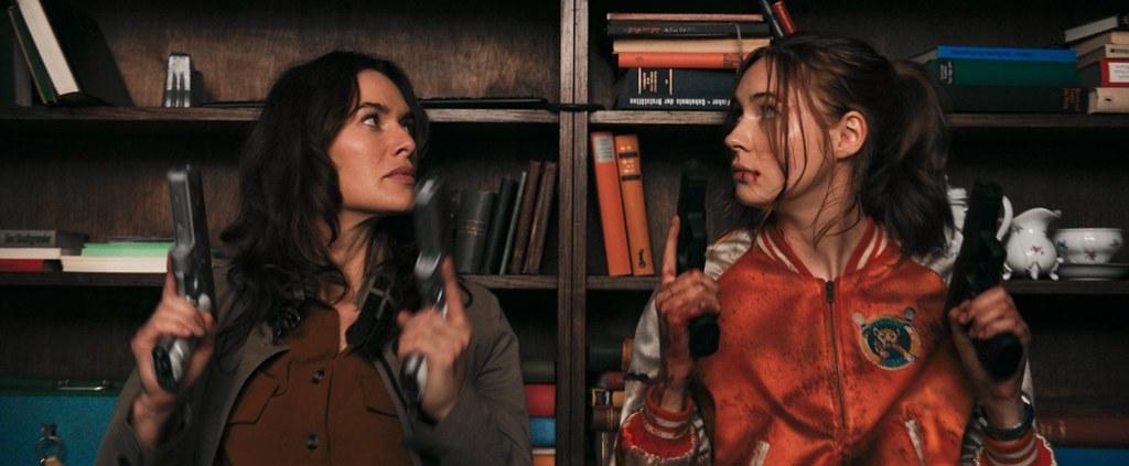 血客聯盟_琳娜海蒂(左)與凱倫吉蘭飾演母女 (1)