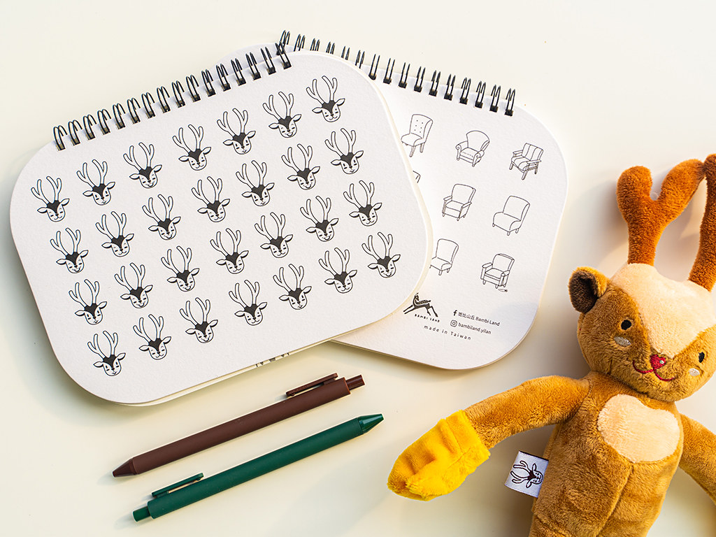 01_斑比山丘「百變線圈筆記本」提供斑斑及拉布兩款封面選擇,每款都可愛度爆表