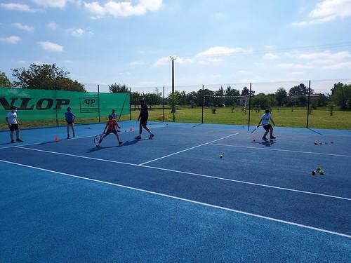 Pour un apprentissage du tennis à l'école