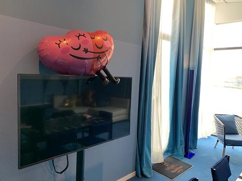 Folieballon Huwelijksaanzoek Valentijnsdag Liefde Blauwe Suite Bruno Room Mate Hotel Rotterdam