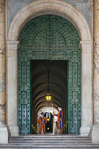 IMG_0939 - Swiss Guards in Vatican