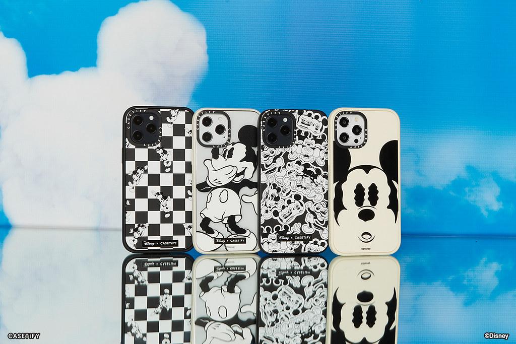 02. 全新 Disney x CASETiFY 聯名系列以黑白色系米奇為設計靈感,打造一系列超吸睛復古風電子配件