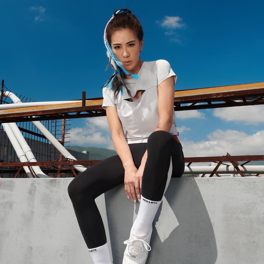 【圖四之二】在外著服飾上,MOLLIFIX運用了小巧思讓機能與時尚兼具,展現女性自我風格態度。