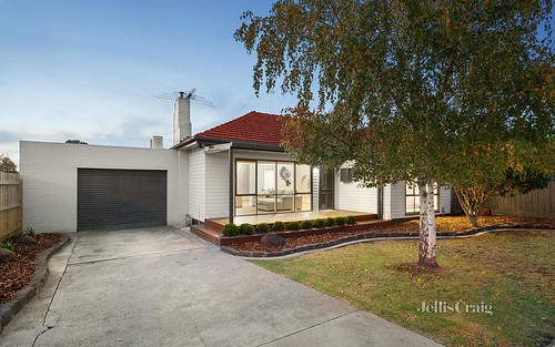 99 Bowes Av, Airport West VIC 3042
