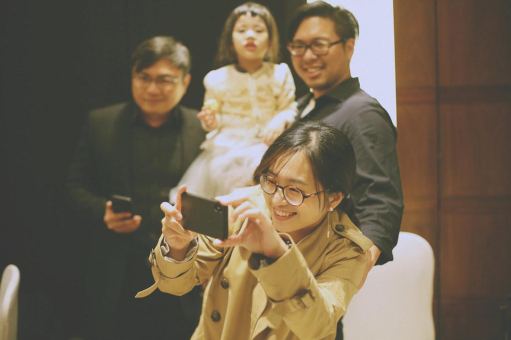 婚禮攝影,底片婚攝,台北婚攝推薦,婚禮紀錄,自然風格,故宮晶華,敬酒,拍照