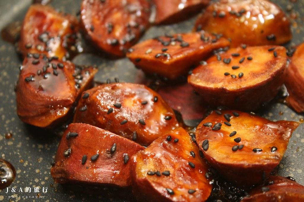 【食譜】大學芋。免油炸日式地瓜甜點,關東、關西兩種風味一次學會 @J&A的旅行