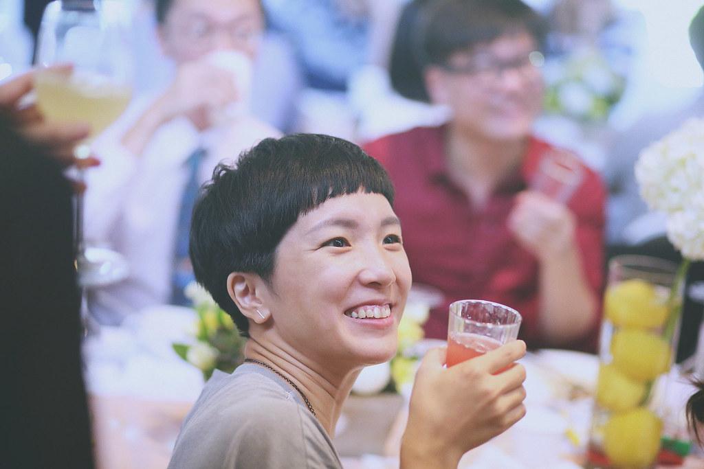 婚禮攝影,底片婚攝,台北婚攝推薦,婚禮紀錄,自然風格,故宮晶華,和朋友聊天
