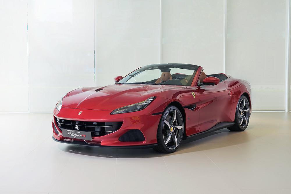 Ferrari 210610-1