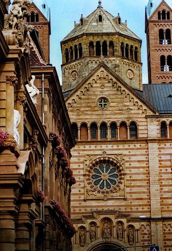 """Speyer 1987 (13) Speyerer Dom • <a style=""""font-size:0.8em;"""" href=""""http://www.flickr.com/photos/69570948@N04/51239591498/"""" target=""""_blank"""">View on Flickr</a>"""