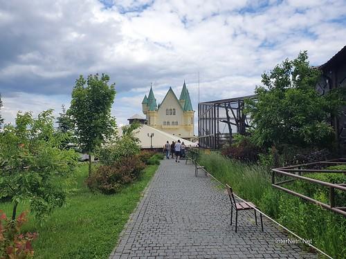 Зоопарк 12 місяців в Димері біля Київа  Ukraine Internetri 100