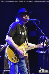 2021 Bosuil-Neil Young Mirror Band 1