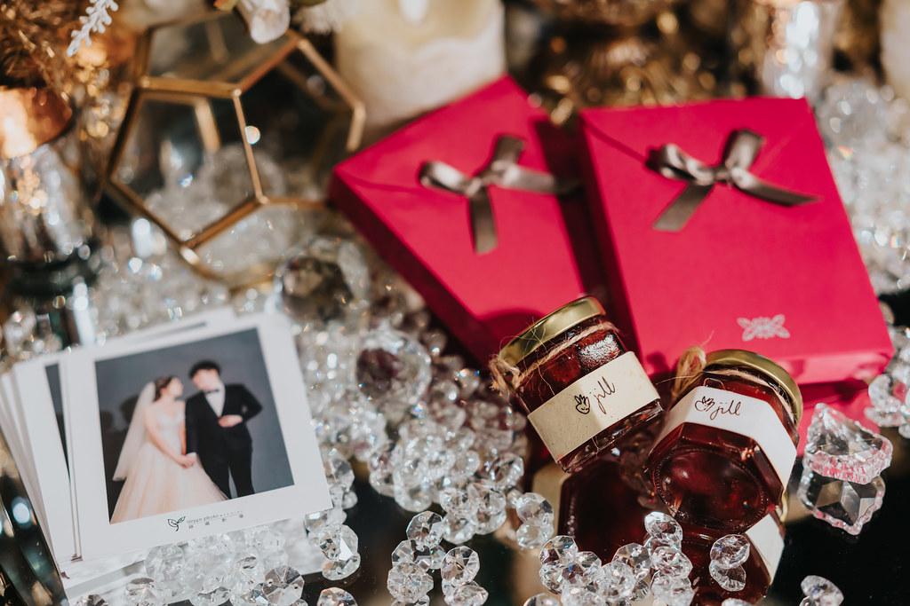 婚攝,婚禮紀錄,婚禮攝影,鯊魚團隊,新板希爾頓飯店,訂婚儀式,龍鳳掛,美式婚禮,闖關遊戲,跳舞,台北婚攝,婚攝推薦
