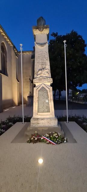 Photo 1 - Éclairage de l'église et du monument aux morts de Saint-Pierre-de-Gaubert