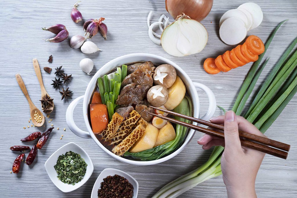 圖5. 「向記雙牛燉小鍋」個人獨享鍋開袋加熱就能享用 l 誠品線上