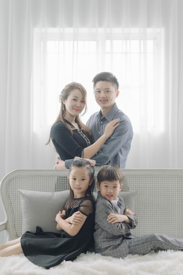 台南全家福推薦 來拍劇照般的全家福吧 YC 007