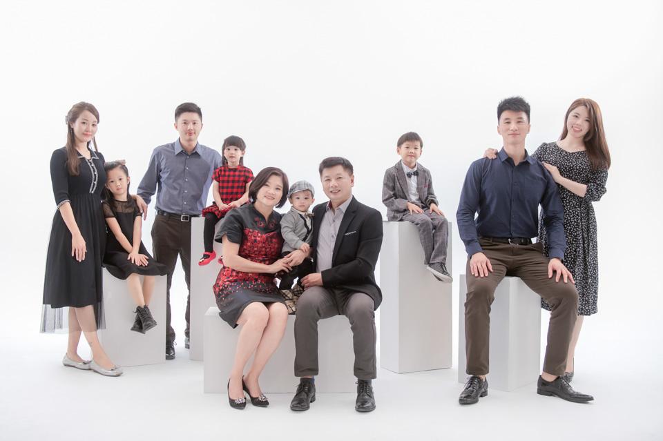 台南全家福推薦 來拍劇照般的全家福吧 YC 011