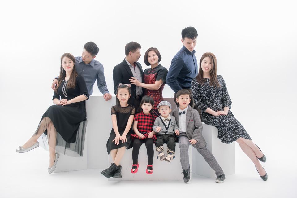 台南全家福推薦 來拍劇照般的全家福吧 YC 012