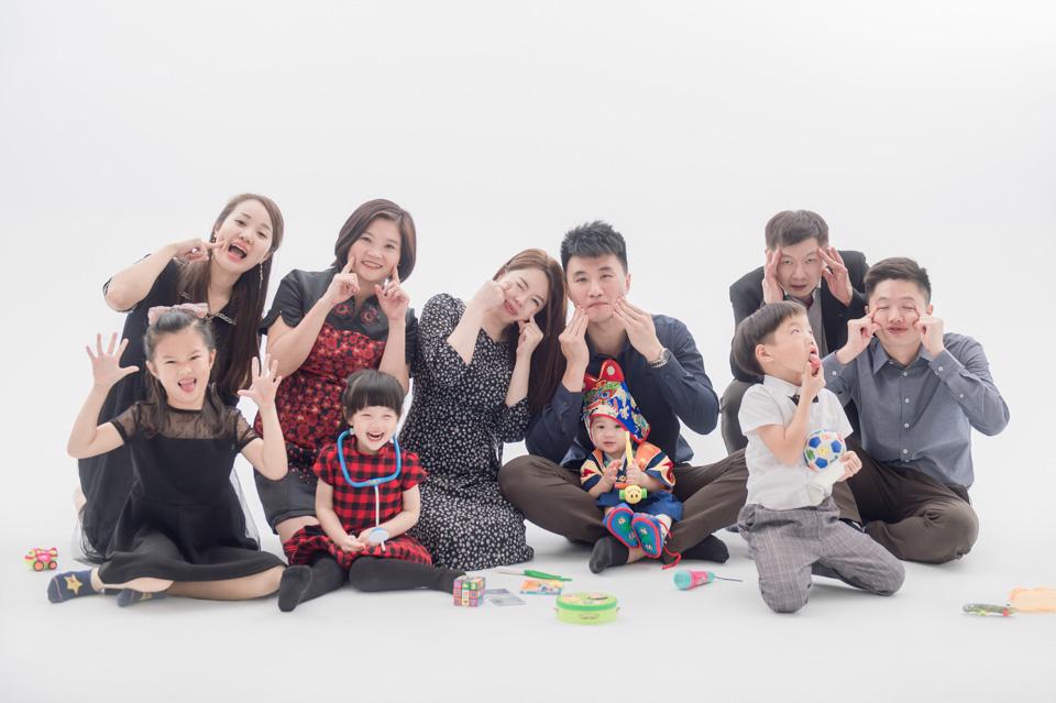 台南全家福推薦 來拍劇照般的全家福吧 YC 014