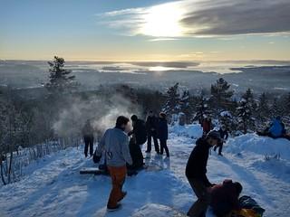 Veta Kollen, pølse, hamac et fjord d'Oslo