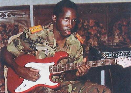 Thomas Sankara #chitarrista 🎸 dei Tout-à-Coup #jazz #rock 🎥#elettritv💻📲 #musica #burkinabè #presidente #ribelle #cheguevara d' #africa #mossi #moaaga 🎭 #webtvmusicaoriginale #canalemusicale #playlist #w