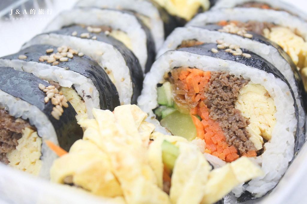 Momo海苔飯捲。提供外送外帶,在家也能享用韓式美食 @J&A的旅行