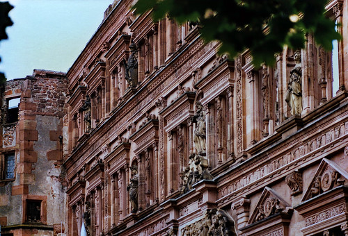 "Heidelberger Schloss (14) • <a style=""font-size:0.8em;"" href=""http://www.flickr.com/photos/69570948@N04/51269998809/"" target=""_blank"">View on Flickr</a>"