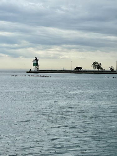 Chicago Southeast Harbor Guidewall Lighthouse 2021