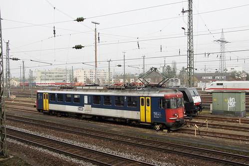 OeBB RBe 4/4 205 und MRCE ES 64 F4-400, Basel Bad Bhf