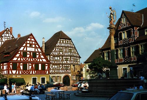 """Ladenburg (06) Marktplatz • <a style=""""font-size:0.8em;"""" href=""""http://www.flickr.com/photos/69570948@N04/51299834763/"""" target=""""_blank"""">Auf Flickr ansehen</a>"""