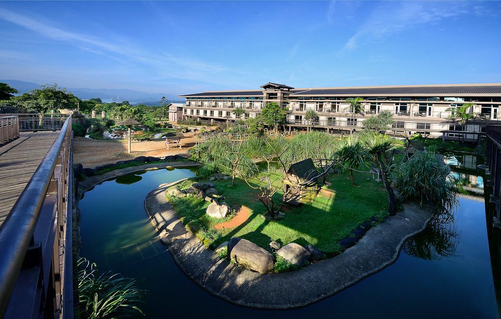 新竹關西六福莊生態度假旅館,此次推出可望向動物生態園區、甚至可與動物們近距離互動的招牌剛果、肯亞客房住宿(KKday提供)