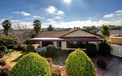 15 St Clair Pl, Lyons ACT 2606