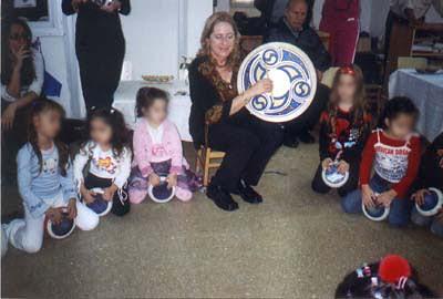 אמנית ישראלית בהפעלה אורלי בינדר מלחינה מוזיקה טקסטים  מוזיקאית  שירי הפעלה  לילדים ריתמיקה  יוצרת  שירים ילדים