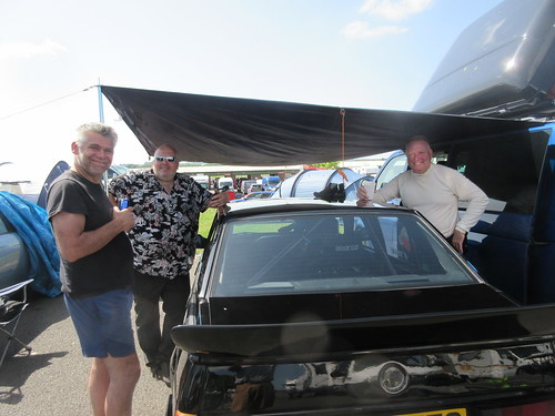 Needed avery bit of shade at Snetterton - Andy Page, Richard Melvin and Scott Austin