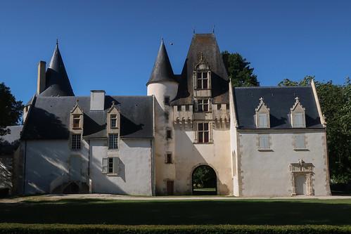 Le château de Javarzay (côté Nord) (Chef-Boutonne, 79)